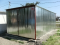 Garaj metalic pentru o maşină, de 3m x 5m,  cu acoperiş cu panta în spate