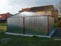 Garaj metalic pentru două maşini, de 6m x 6m, cu acoperiş cu pantă dublă